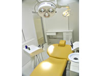 Implant room - Tokyo dentists in English